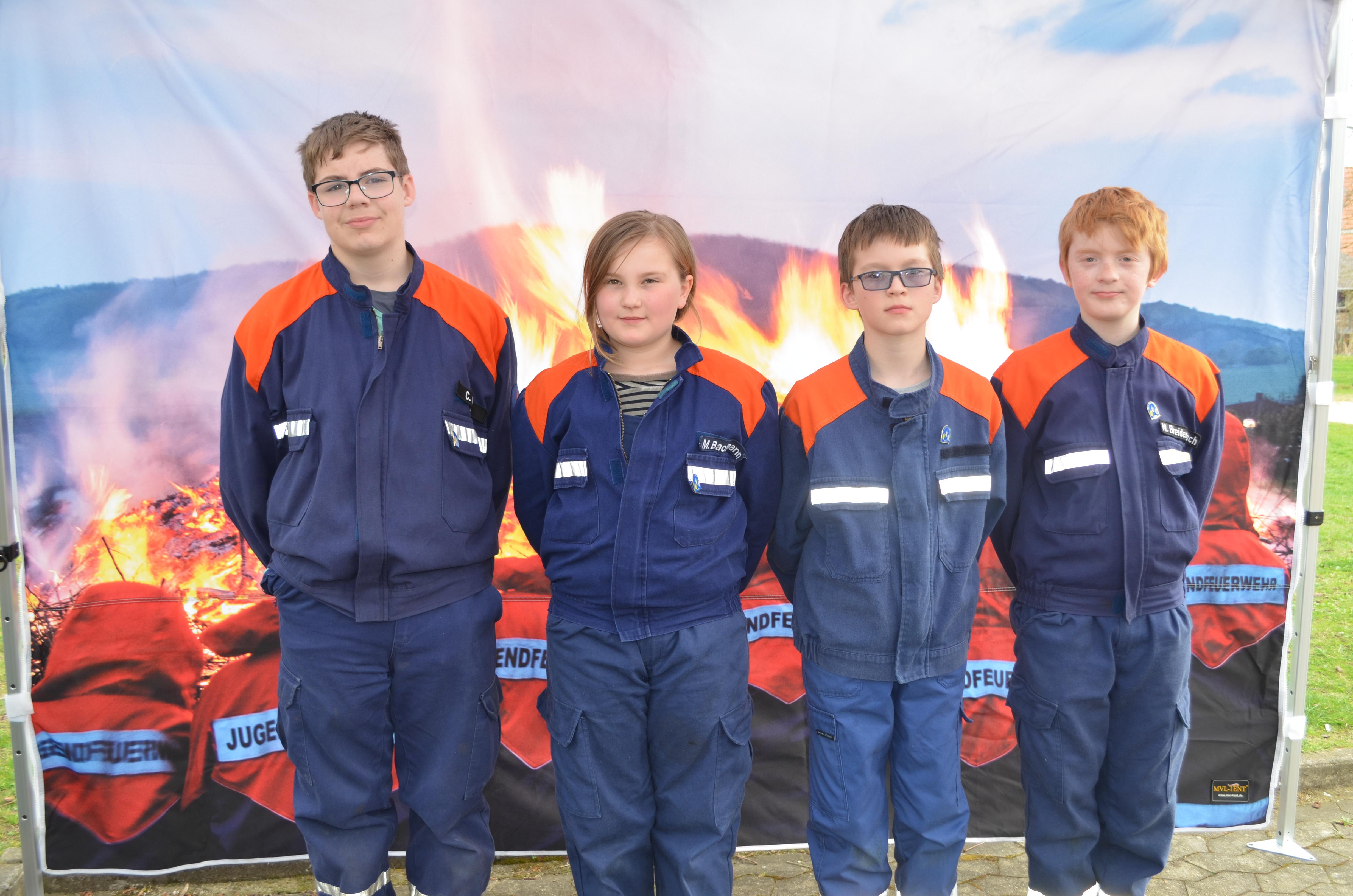 4 erfolgreiche Teilnehmer/innen bei der Jugendflamme Stufe 1