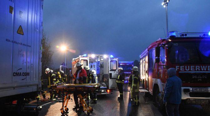 H -Klemm Y (R10) – Verkehrsunfall mit eingeklemmter Person