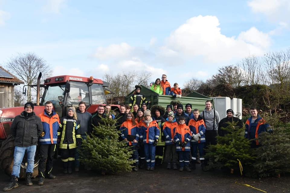 Erfolgreiche Weihnachtsbaumsammelaktion in Bad Zwesten