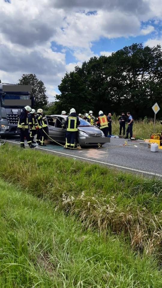 H-Klemm 1-Y – Verkehrsunfall mit einer eingeklemmten Person